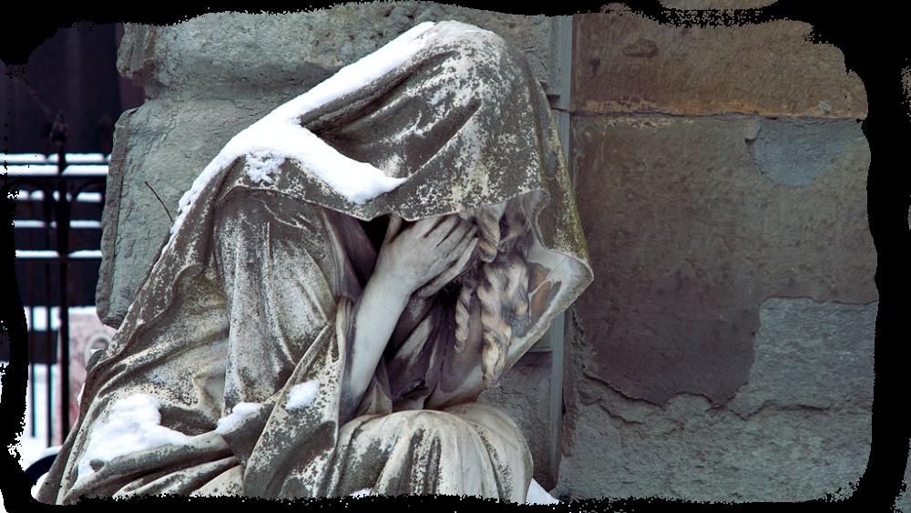 Один из образов богини карны плакольщиц на день погребения