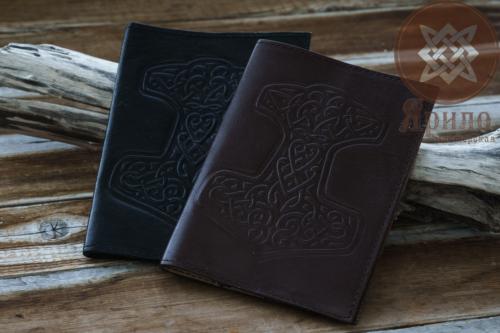 Обложка на паспорт (молот тора)