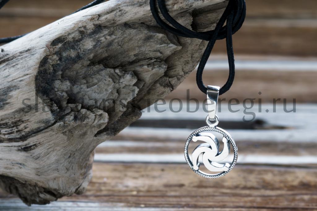 Славянский оберег символ рода из серебра на фото оберег...