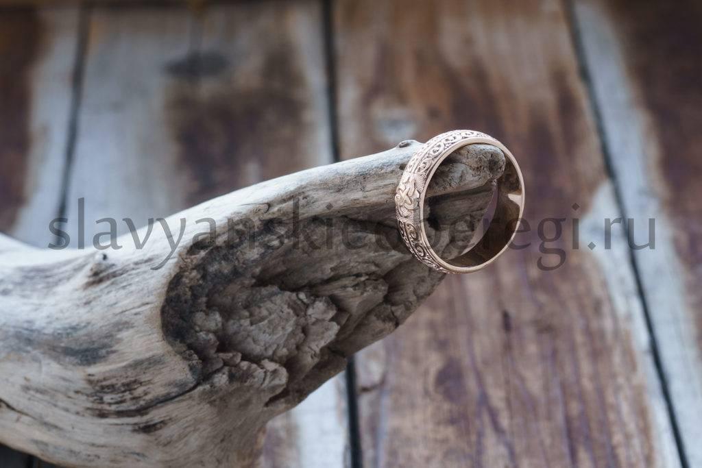 Кольцо Свадебное. Золото 585 пробы. Вес около 6 гр. Цена около 16000р. Точная цена рассчитывается при заказе.