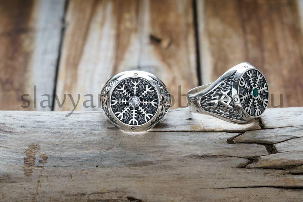 Перстень Шлем Ужаса. Цена 2800р. Серебро 925 пробы. Камни - Фианит, Агат. (1)
