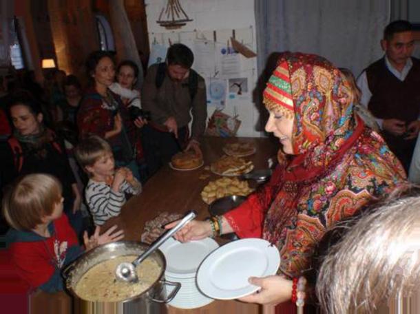 Одним из наиважнейших праздников по славянскому календарю было 8 января (26 декабря по старому стилю) – праздник Бабьих Каш. повитухи