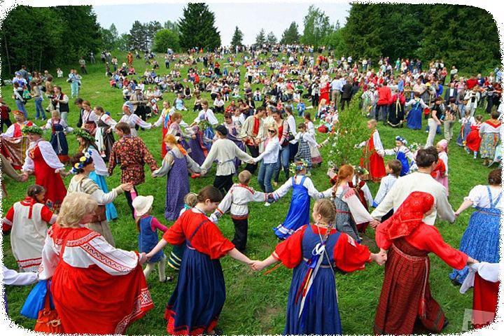 22 апреля в праздник Лели или как его еще называли дня Красной горки.. хоровод